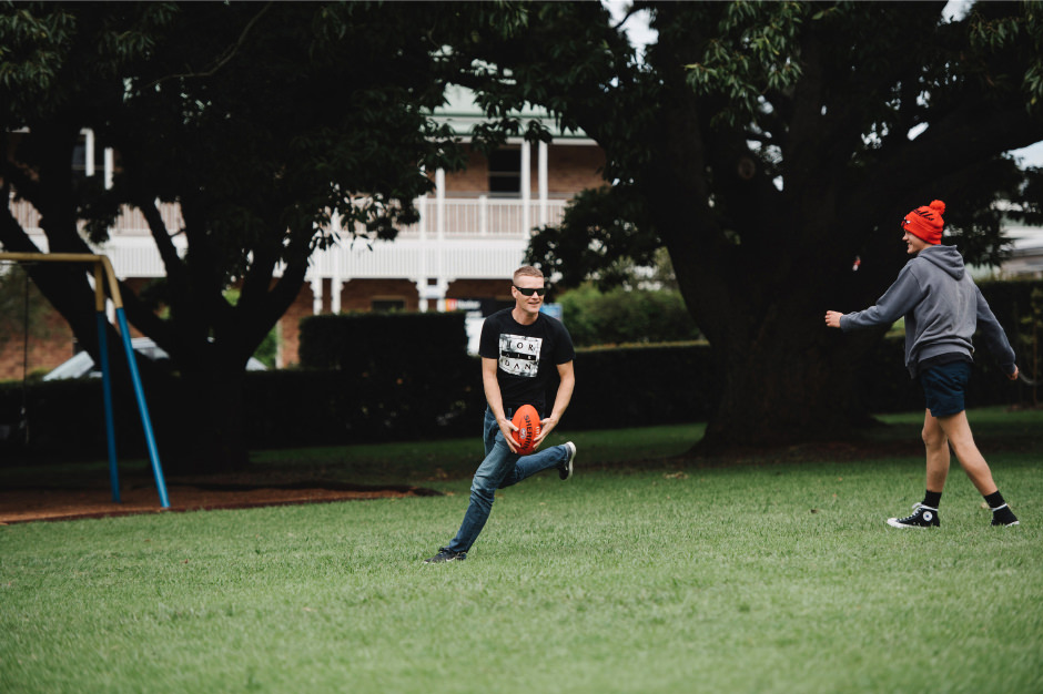 02-groom-wedding-photos-afl-football