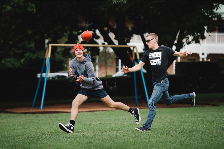 04-groom-wedding-photos-afl-football