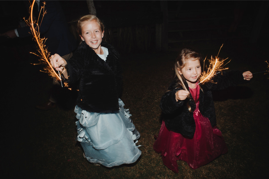 101-wedding-reception-sparklers