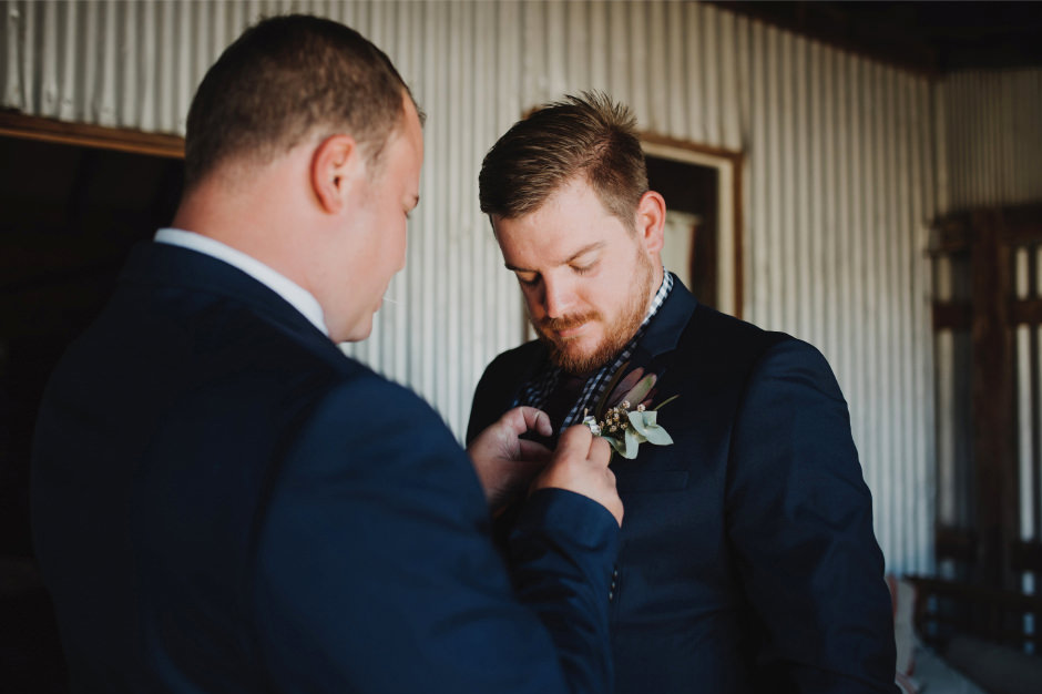 17-groom-prep-photos