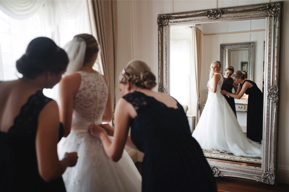 27-bridal-prep-photos-1