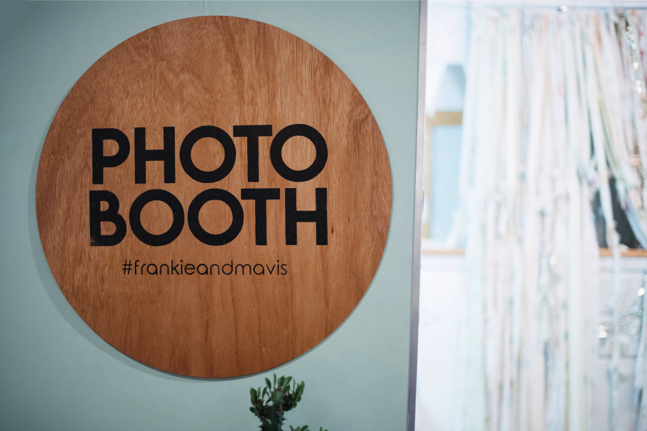 111-frankie-mavis-wedding-photobooth